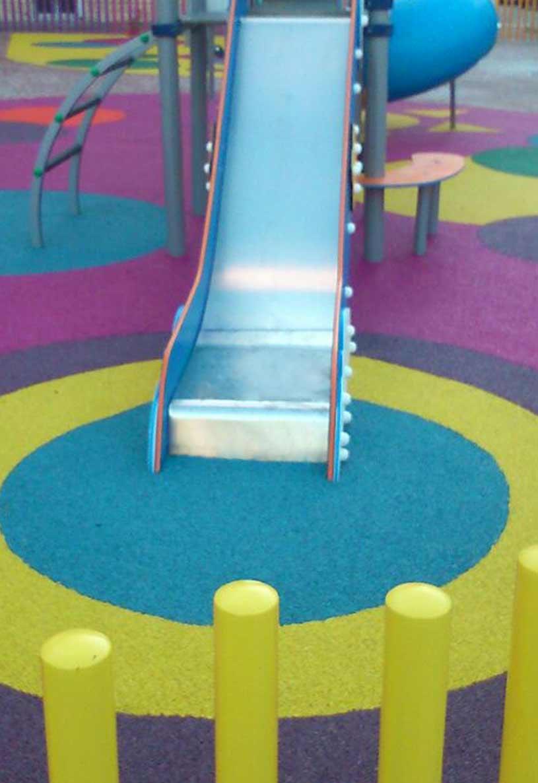 Parques infantiles con caucho SBR